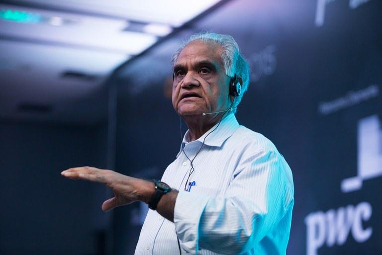 Ram-Charan_Consultor-de-negócios-mais-influente-do-mundo.jpg
