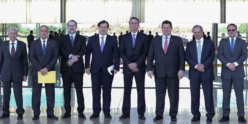 Brasil - Levantamento realizado pela Amcham aponta ano de crescimento empresarial e do PIB, mas com incertezas de governabilidade e no ambiente interno brasileiro