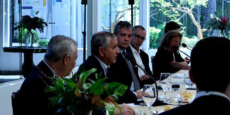 São Paulo - Na segunda-feira (09), recebemos executivos brasileiros que participam do Fórum de CEOs Brasil-Estados Unidos e o Secretário do Ministério da Economia