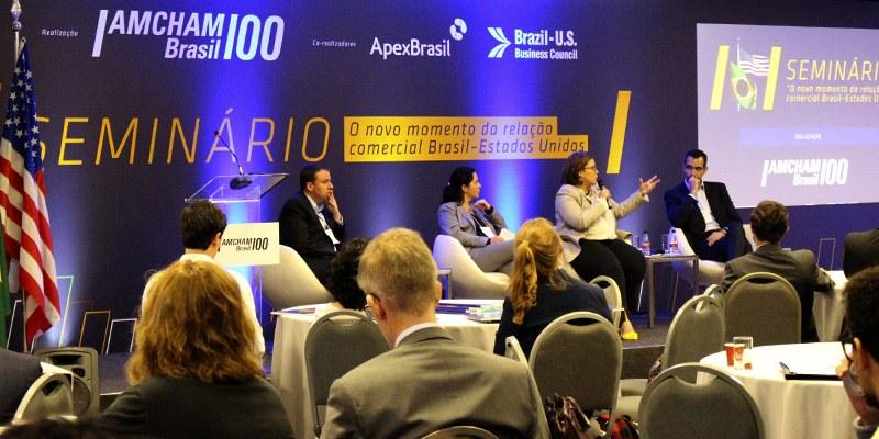 São Paulo – Em seminário, executivos da WEG, DOW Química e Oxiteno apontaram detalhes operacionais que dificultam importações e exportações