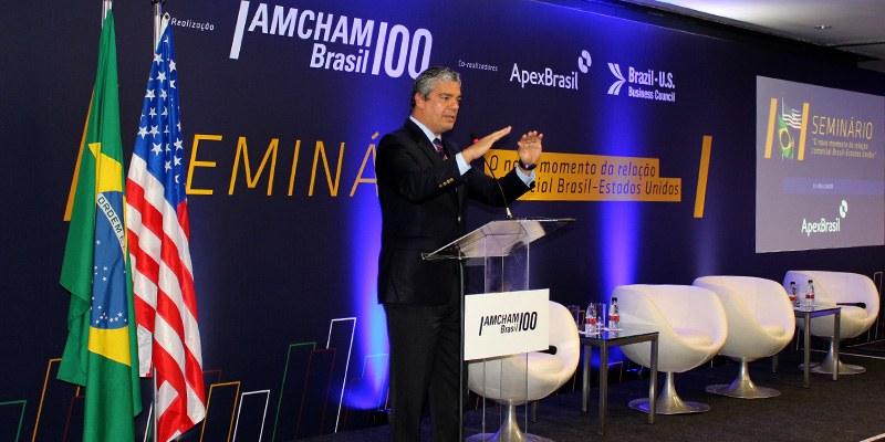 São Paulo – Participar da OCDE significa ter voz ativa na criação de regras mundiais e fazer reformas essenciais, diz Troyjo