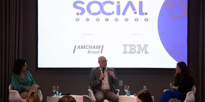 São Paulo – David Grinberg (McDonald's) debateu o papel da comunicação com Clarisse Pantoja (Gerdau) no Social Business IBM