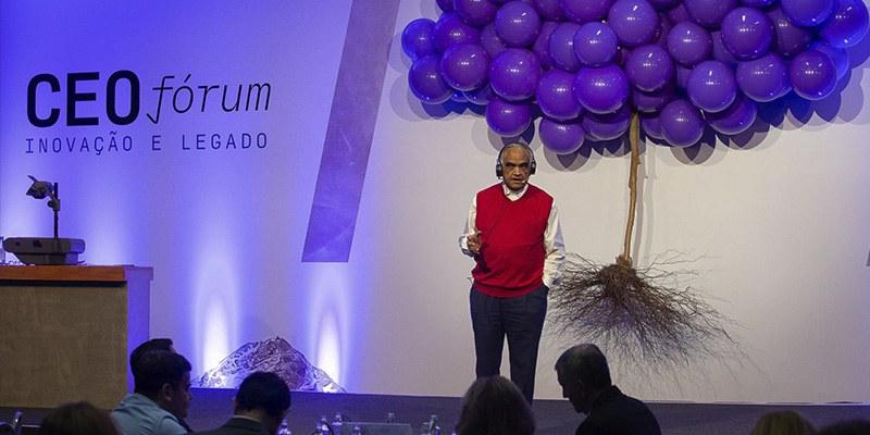 São Paulo – É preciso estar atento ao redor, disse um dos maiores especialistas mundiais em liderança e gestão