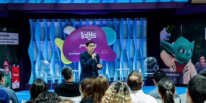 Curitiba – No Amcham Talks, mil participantes acompanharam as reflexões de Luiz Serafim (3M), Embraer, TOTVS, Faber Castell e startups sobre tendências de inovação